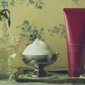 敏感肌救星——為解決異位性皮膚炎問題而研發的保養品系列:DECENCIA ayanasu