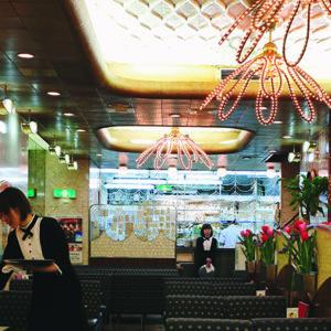 【大阪】令人震撼的裝潢,可謂是大阪人精神代表!前往大阪一定要到〈純喫茶American〉朝聖。