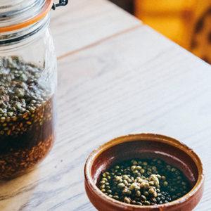 人氣主廚親自傳授!稍微加一點,吃起來就會有高級餐廳味道的「醬油醃山椒」