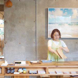 【神奈川】花草、服飾,還有咖啡!在葉山〈SUNSHINE+CLOUD〉感受日本的海灘文化。