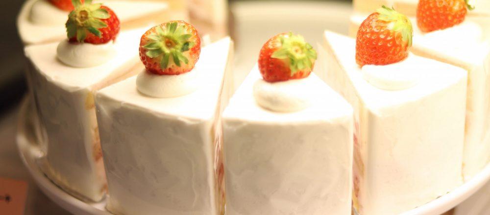 【京都】主角就是草莓!琳瑯滿目的奢侈草莓甜點就在京都烏丸!