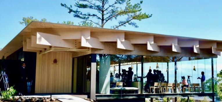 【靜岡】名建築搭配美食。隈研吾.三國主廚聯手打造的餐廳〈Mikuni伊豆高原〉開幕!