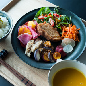 【山形】熟悉餐點食材的每位生產者,為家鄉保留純淨風土滋味的咖啡廳「manoma」