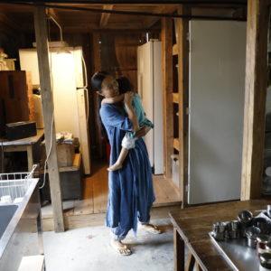 在島上生活這回事——根本KIKO小姐廚房裡頭,充滿積年累月使用風味的器皿收藏——Hanako Taiwan