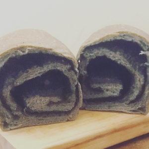 【Column】撕開卻像把整罐芝麻醬倒進去的黑芝麻吐司:木柵河畔的低調好滋味「山崴烘焙」