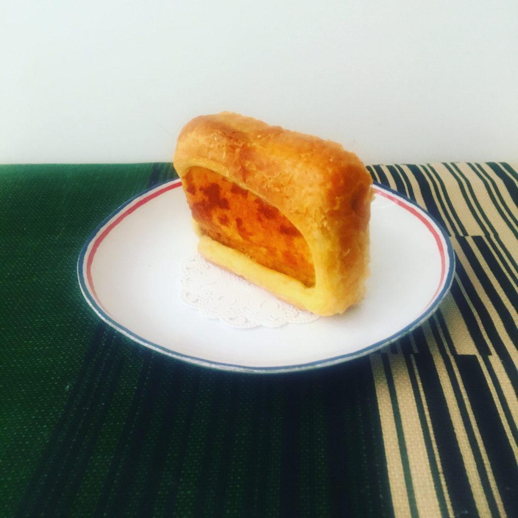 百合起酥蛋糕切片