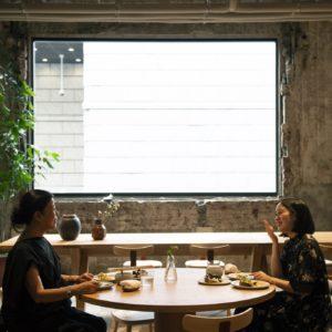 跟著知名作家吉本芭娜娜X平野紗季子,體驗都內美食路線巡禮-Hanako Taiwan