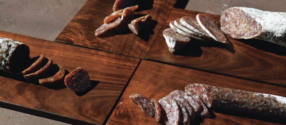 走進東京墨田區「Otis」享用道地Salami,義式風乾臘腸的獨特香韻,讓人吮指回味無窮-Hanako Taiwan