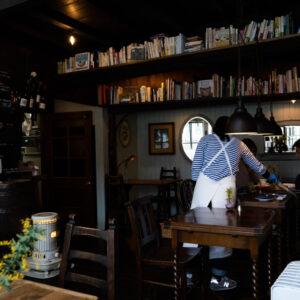 漫遊北陸拜訪金澤大正老屋麵包店「Hirami Pan」,洋樓建築內彌漫著麵包香與書香,還有濃厚人情味-Hanako Taiwan