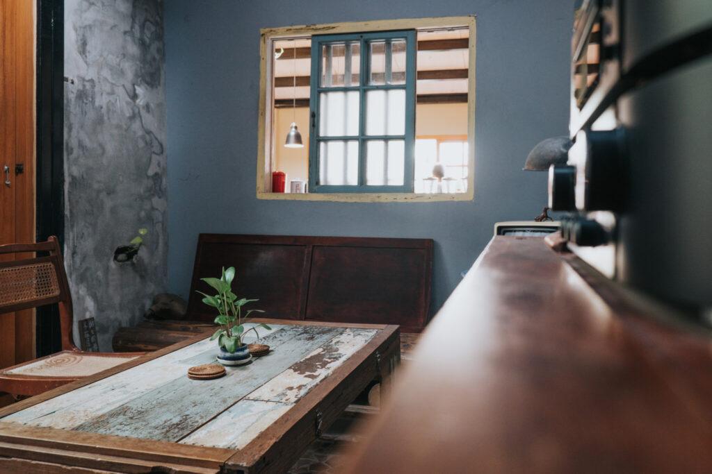 三進是過去的廚房改成的客廳.jpg 的副本